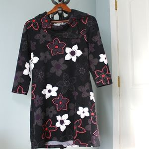 Papillon Tunic size Large, black floral design